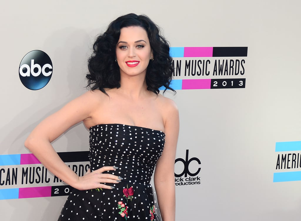 Katy Perry rock a red lip.