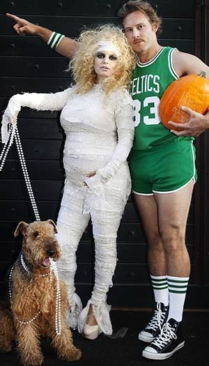 Jessica Simpson confirmed her pregnancy by tweeting a picture of her mummy Halloween costume alongside Eric Johnson, who was dressed as Celtics star Larry Bird, on Halloween 2011.