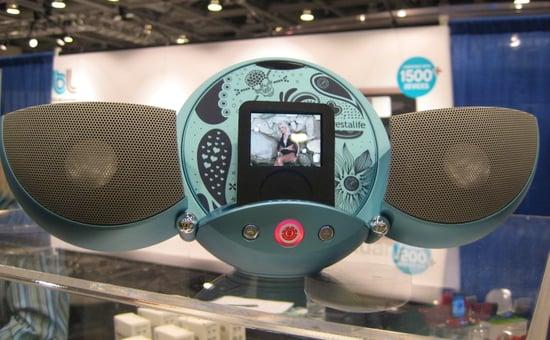 Macworld 2008: Vestalife Ladybug iPod Dock