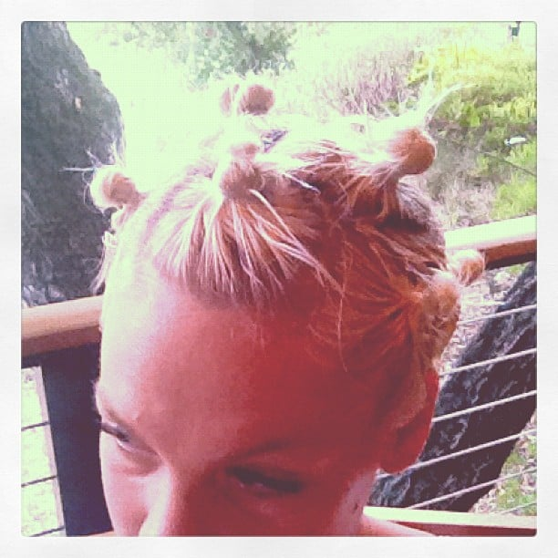 We want to try Pink's knotted hairstyle!