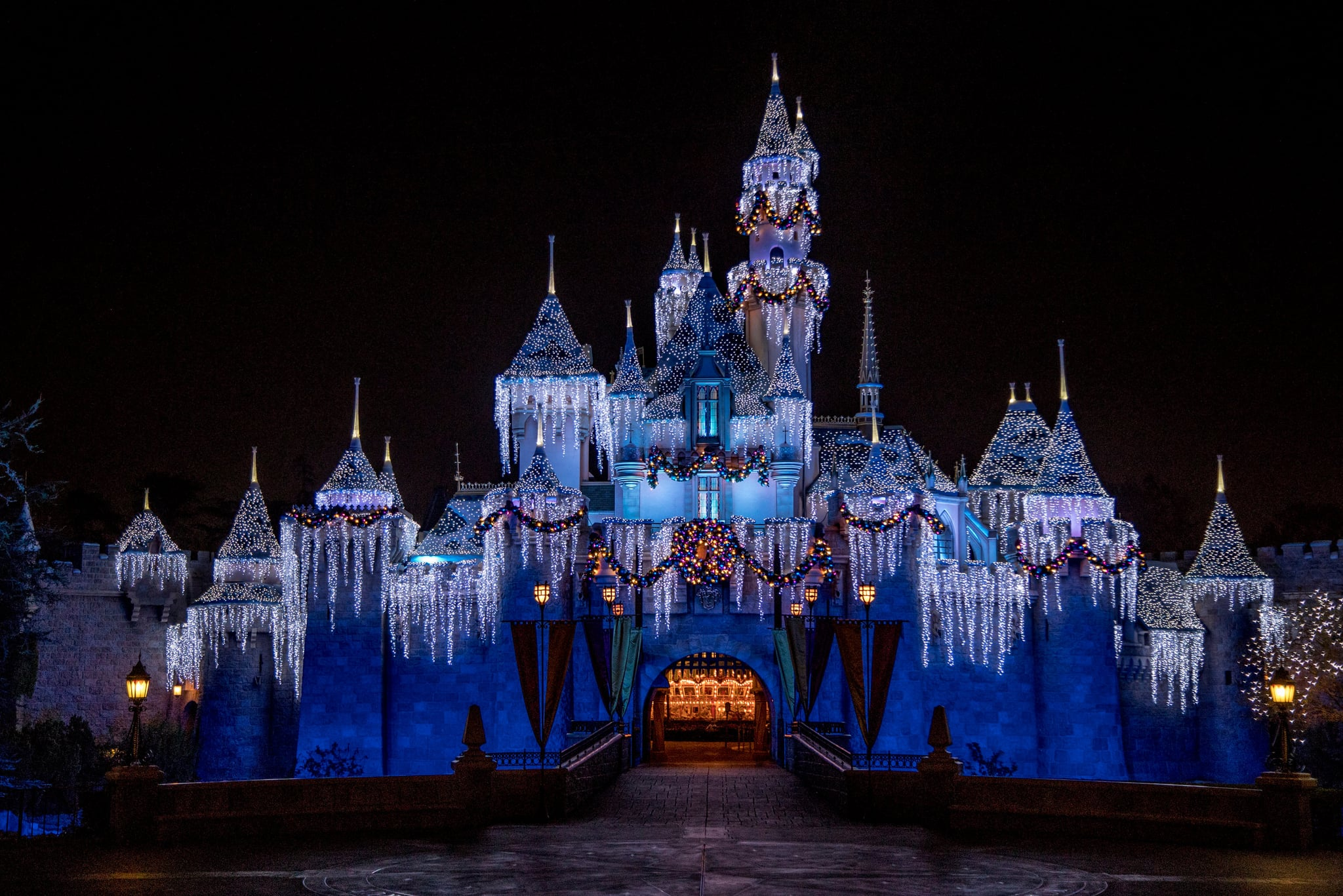 The Disneyland Resort will once again transform into a merry and magical place as guests return to enjoy their holiday season from Nov. 12, 2021, through Jan. 9, 2022. Many beloved traditions return providing cheerful entertainment, yuletide treats, specialty merchandise, sparkling dcor and seasonal transformations of select attractions. (Disneyland Resort)