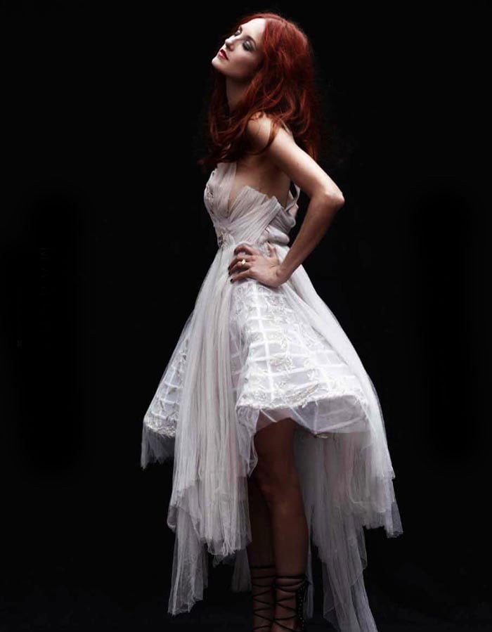 Taylor Tomasi Hill Modeling For The Block [Pictures]