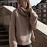 Kimloog Turtleneck Knitted Sweater