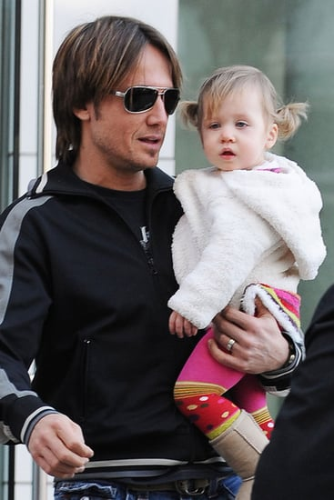 Keith and Sunday out for a stroll sans Nicole Kidman