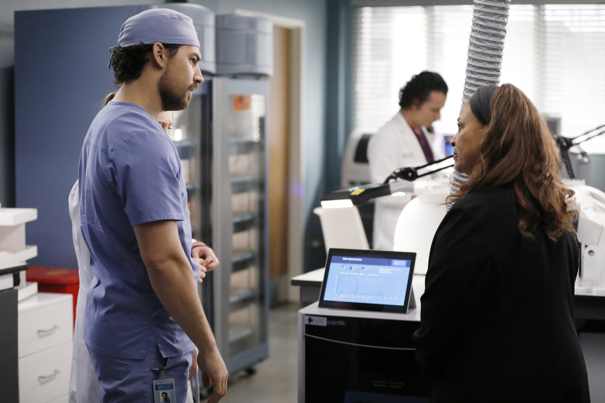 GREYS ANATOMY - Put on a Happy Face  Link tries to convince Amelia to take it easy during the final stage of her pregnancy. Hayes asks Meredith a surprising question, and Owen makes a shocking discovery, on the season finale of Greys Anatomy, THURSDAY, APRIL 9 (9:00-10:01 p.m. EDT), on ABC. (ABC/Raymond Liu)GIACOMO GIANNIOTTI, DEBBIE ALLEN