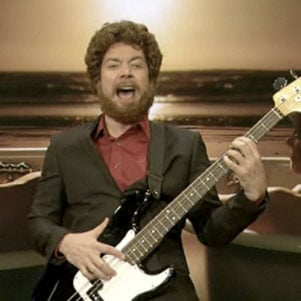 Jimmy Fallon Impersonates American Idol's Casey Abrams