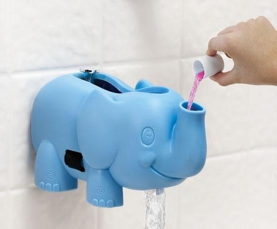 A Bubble-Dispensing Spout Guard