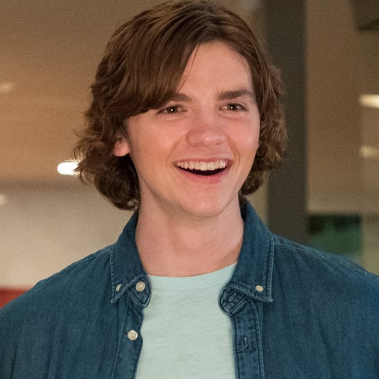 Who Plays Lee in The Kissing Booth?