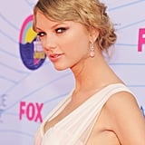 Taylor Swift smiled at the Teen Choice Awards.