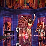 See All the Victoria's Secret Fashion Show Sexiness!