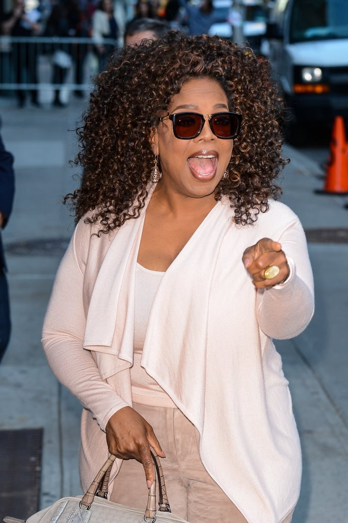 Oprah pointed to fans outside at Ed Sullivan Theater in NYC in October 2015.