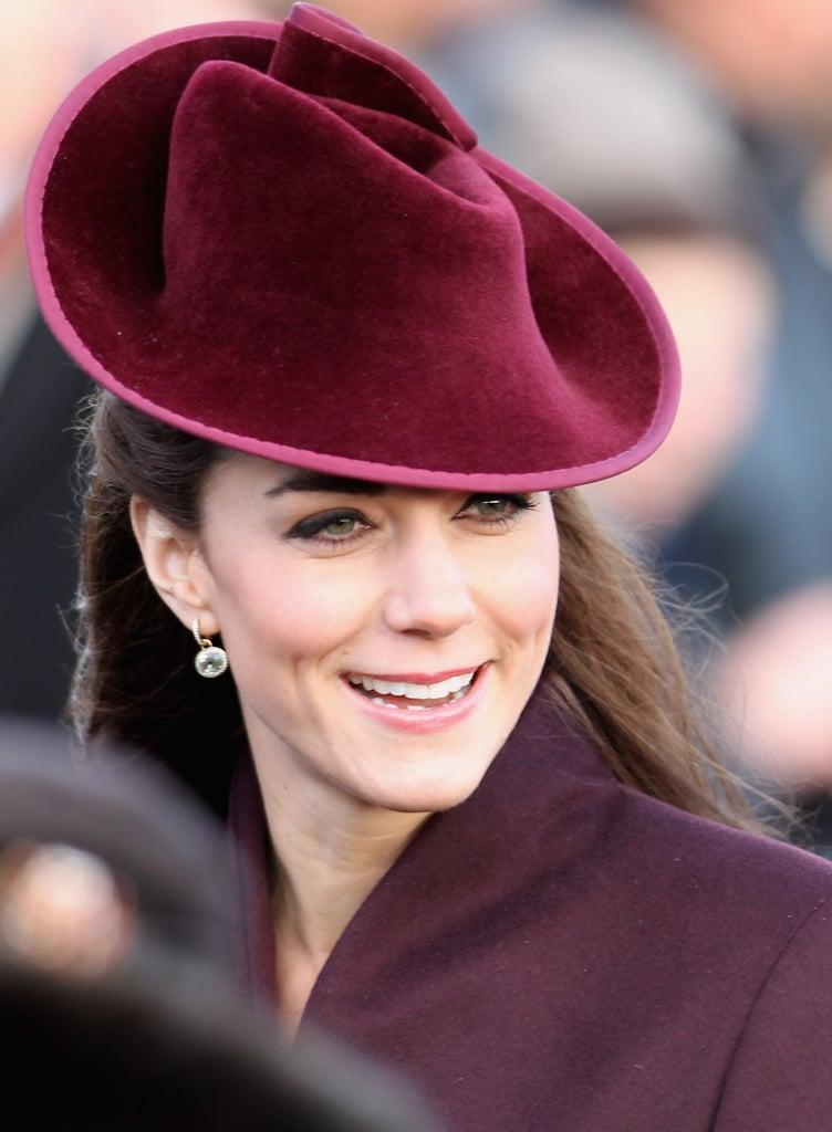 في عام 2011، قامت كيت بمطابقة قبعتها مع معطفها بمراسم خدمة الكنيسة في عيد الميلاد.