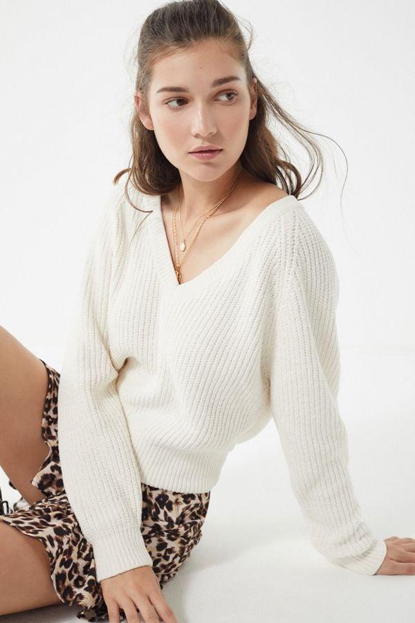 5e14e39d674db UO Cozy Chenille V-Neck Sweater