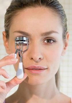 Do You Use an Eyelash Curler?