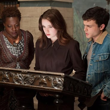 Beautiful Creatures Movie Trailer Starring Alice Englert