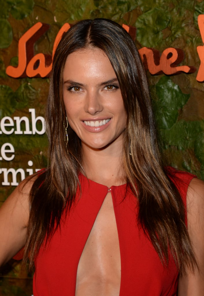 Alessandra Ambrosio paired her enviable tan with textured strands.