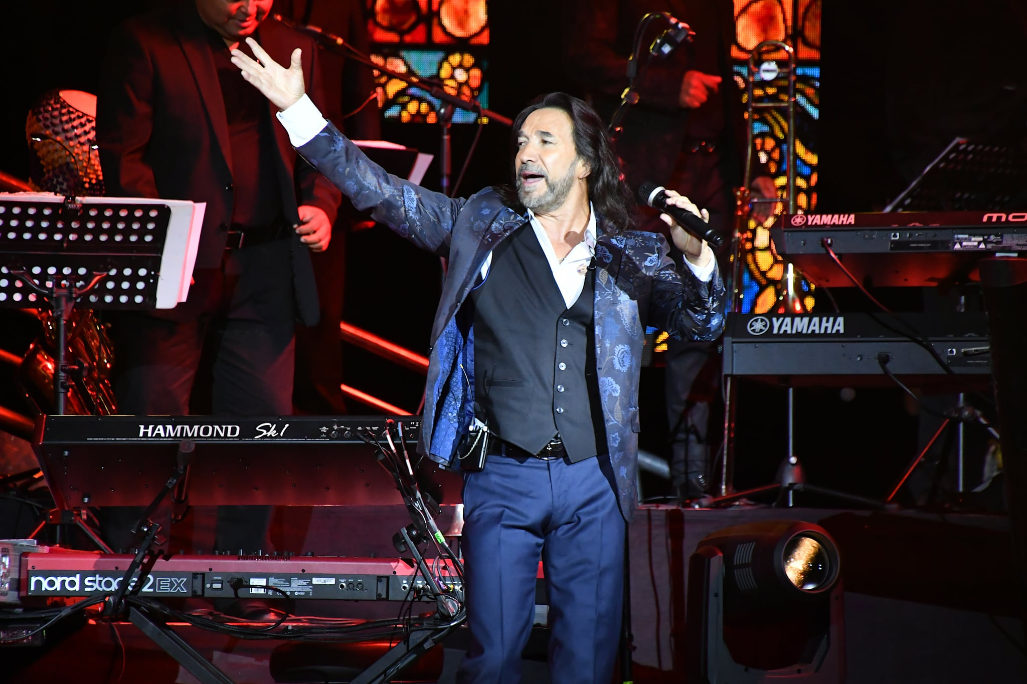 LAS VEGAS, NV - SEPTEMBER 15:  Recording artist Marco Antonio Solis performs at the Mandalay Bay Events Center on September 15, 2017 in Las Vegas, Nevada.  (Photo by Mindy Small/FilmMagic)