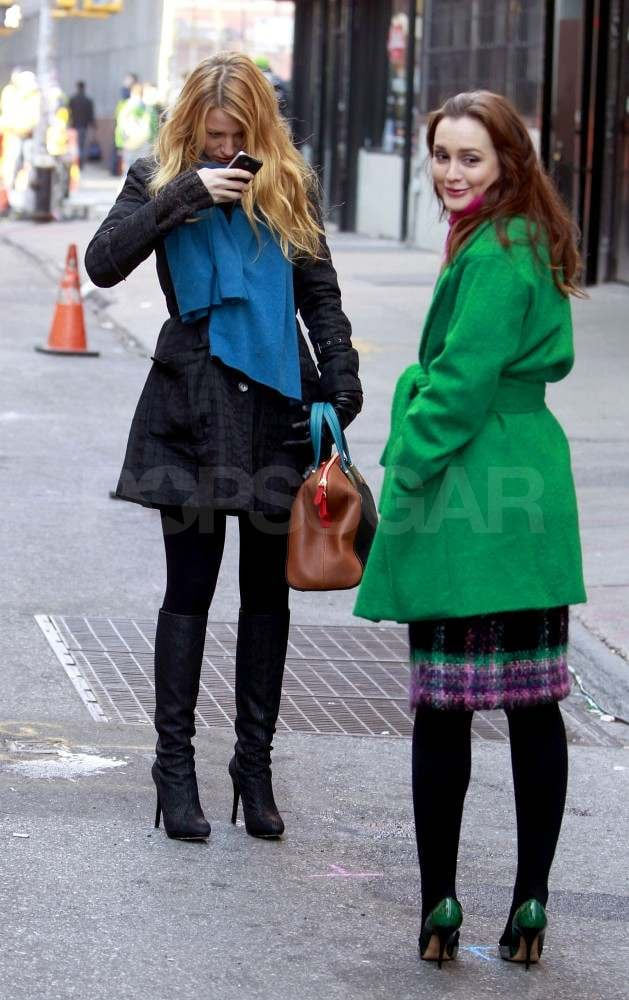 blake lively mit leighton meester am set von gossip girl