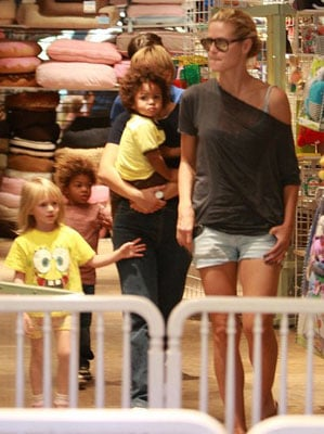 The Klum-Samuel Clan Goes Shopping