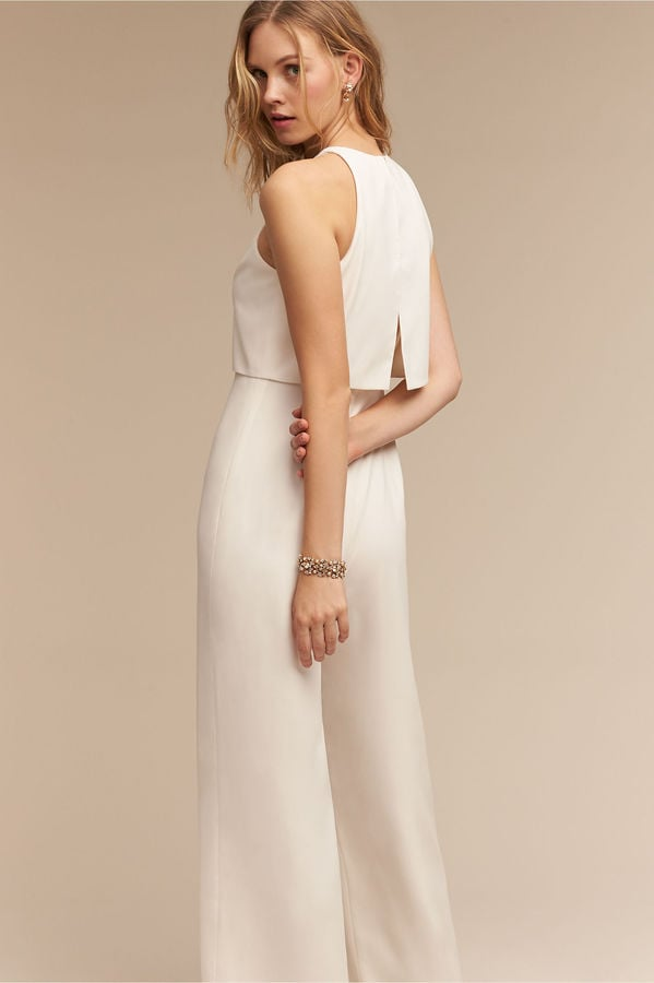 a69bae04c89 For the bride who s looking for something simple yet elegant