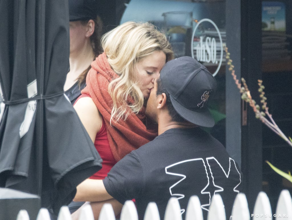 Shailene Woodley and Boyfriend Ben Volavola Kissing ...