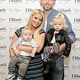 Jessica Simpson and Eric Johnson posed for an impromptu family portrait with Ace and Maxwell during their trip to Dallas.