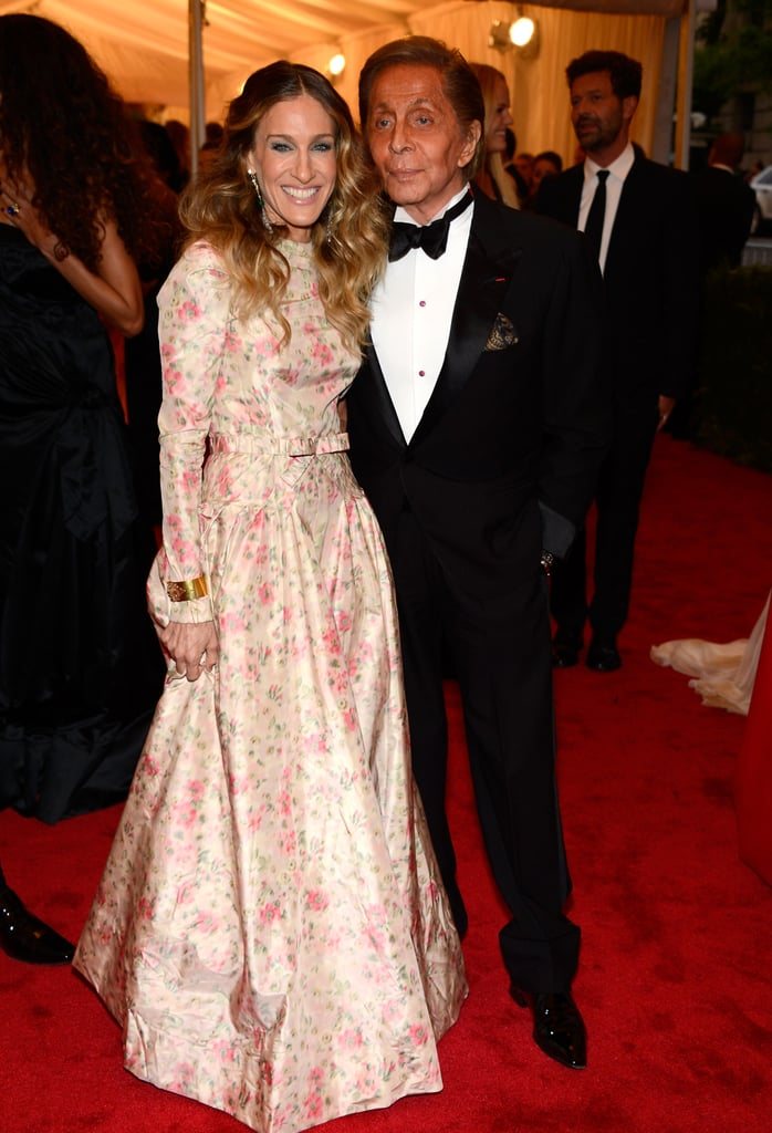 Sarah Jessica Parker posed with Valentino Garavani, who designed her gown for the evening.