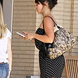 Jennifer Love Hewitt has a white case on her iPhone 4.