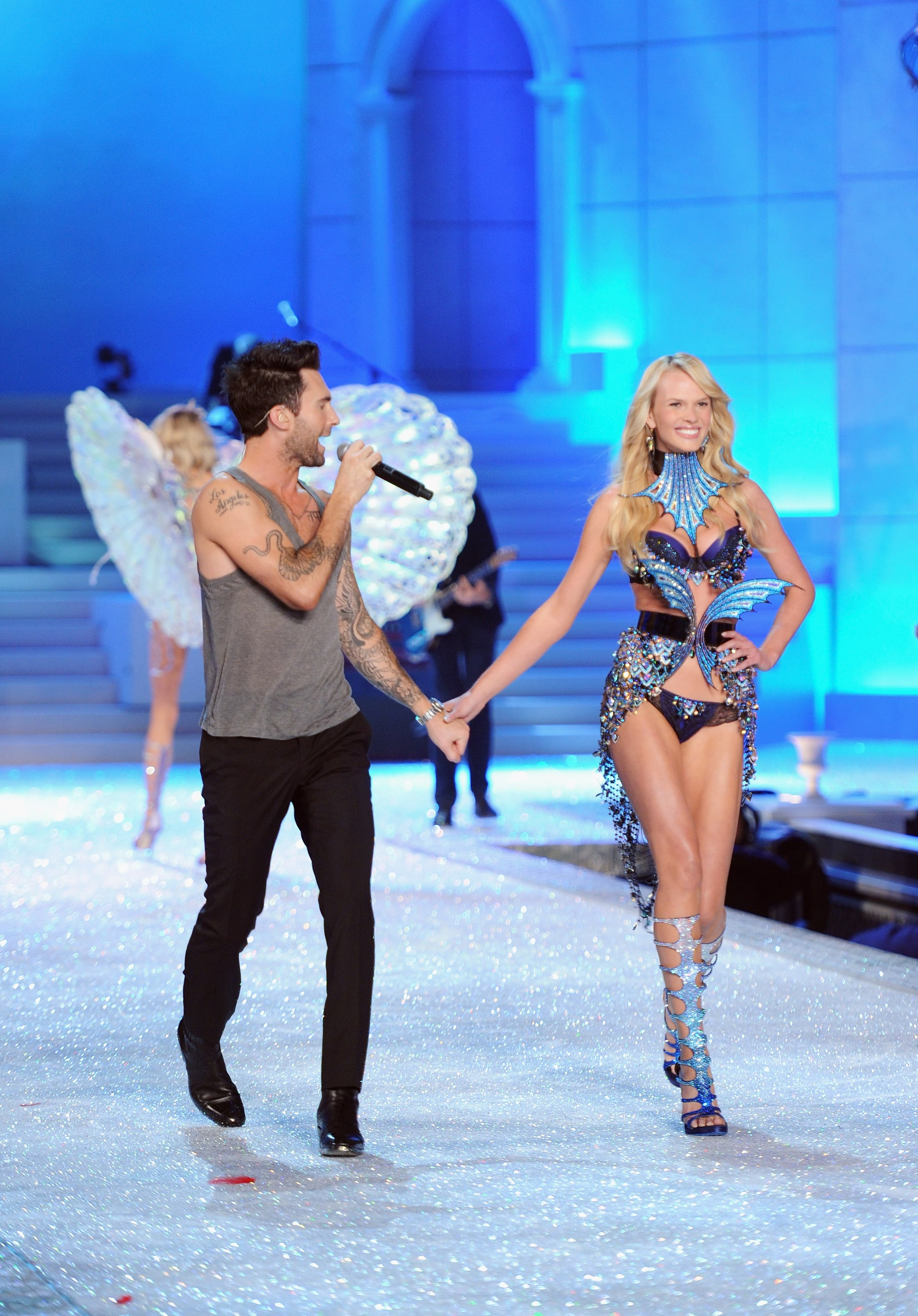 Adam Levine Loves Victoria S Secret Fashion Show Popsugar Celebrity