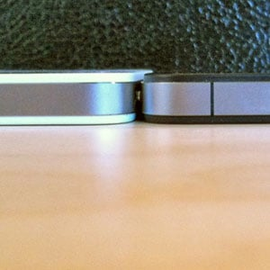 White iPhone 4 Size Difference