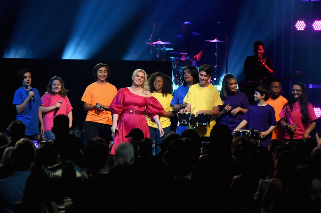 Kelly Clarkson's BBMAs Performance Was So Beautiful, Celebrities in the Audience Were Crying