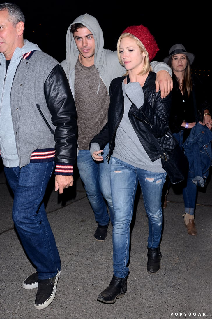Zac Efron and Brittany Snow walked to a haunted hayride in LA.