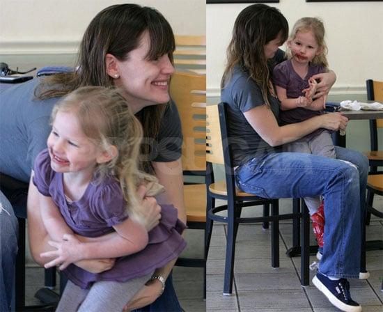 Jennifer Garner and Violet Out for Ice Cream
