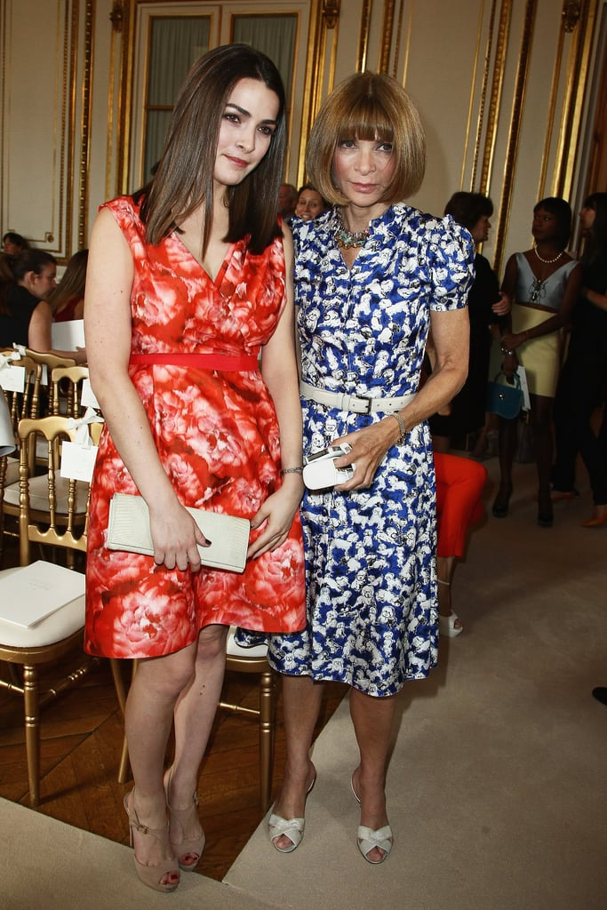 Bee Shaffer and mom Anna Wintour arrived in complementary prints at Giambattista Valli's show.