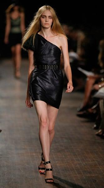 New York Fashion Week Trend Alert: One Shoulder