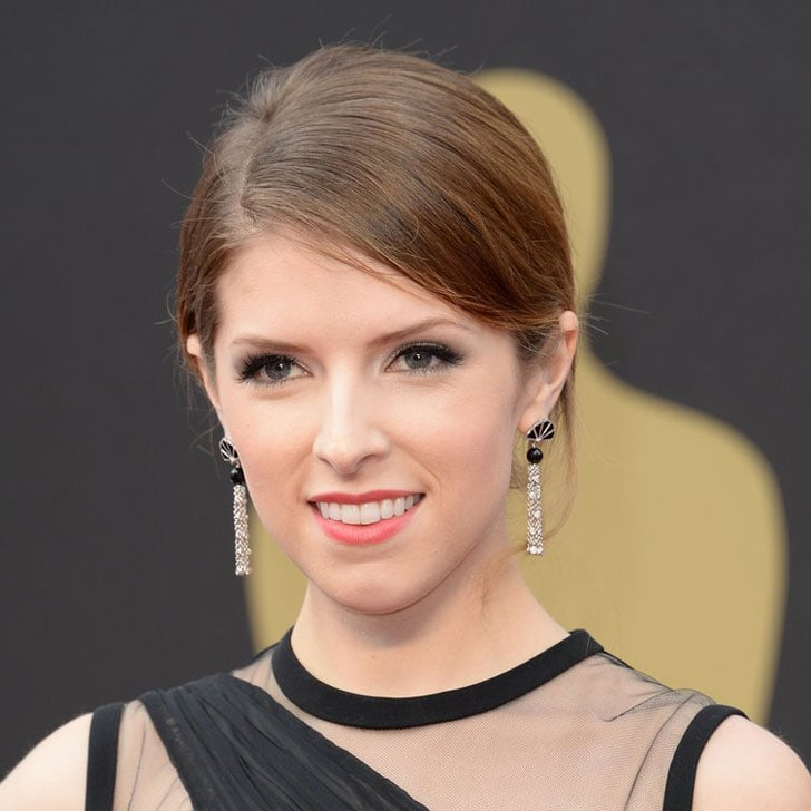 Pictures of Anna Kendrick at the 2014 Oscars