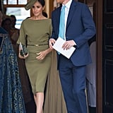Oh, and she also coordinated her shoes, slipping into a pair of suede Manolo Blahnik pumps.