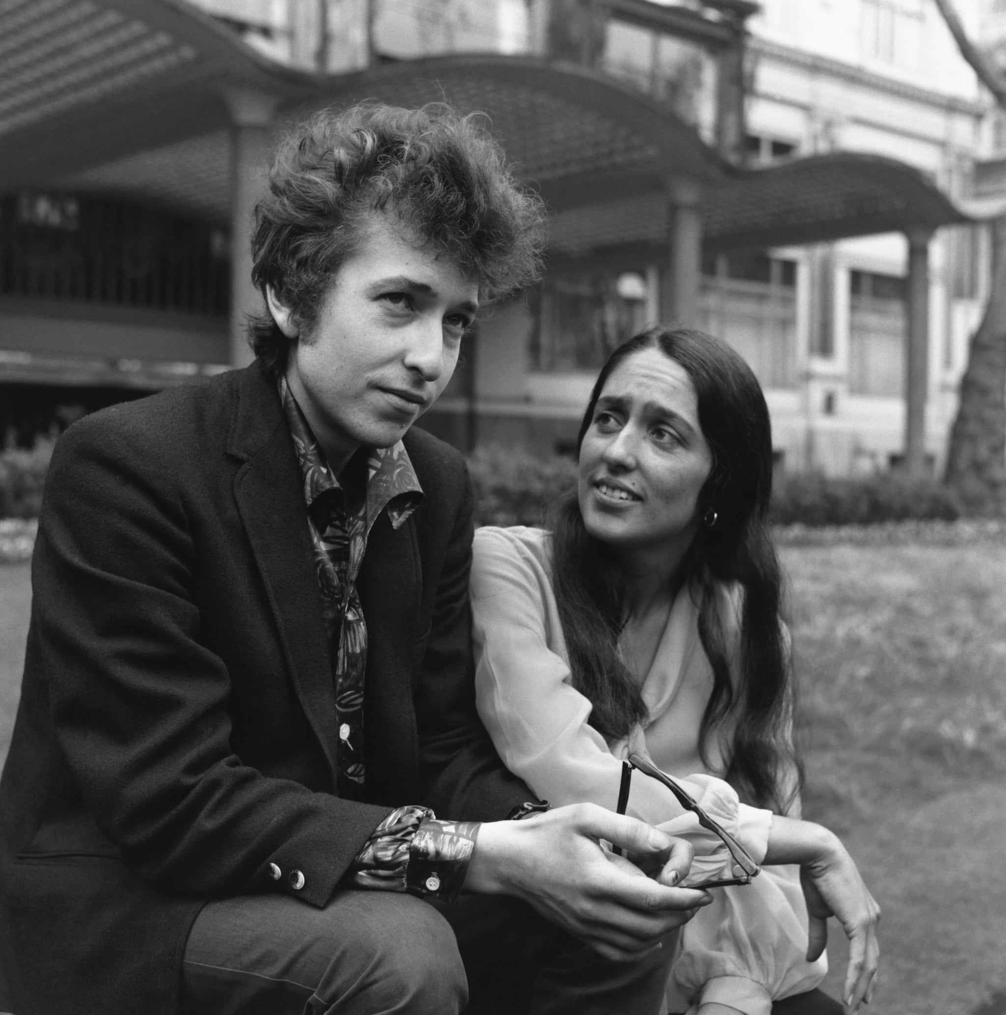 Bob Dylan and Joan Baez | The Most Stylish Music Couples of All Time