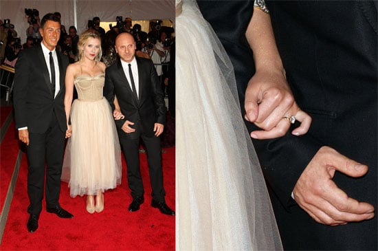scarlett johansson shows off her engagement ring from ryan