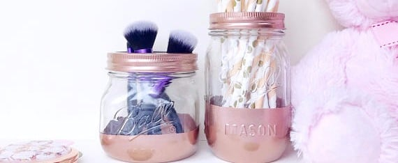 Your Vanity Called — It Wants These 8 Chic Rose Gold Makeup Brush Holders