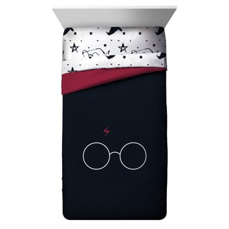 Harry Potter Glasses & Lightning Bolt Twin/Full Comforter, Black/Red Reversible