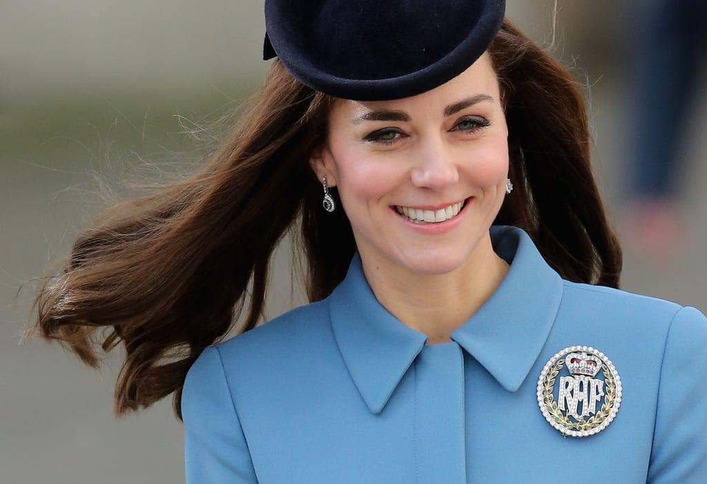 Kate Middleton Wears a Diamond Brooch | 2016