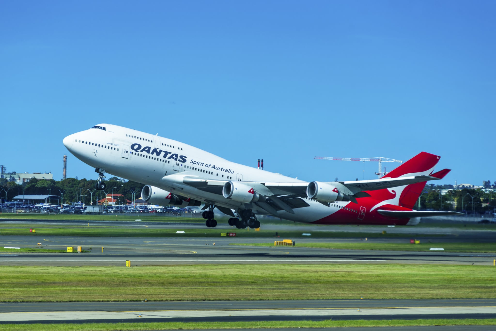 Qantas 747 jumbo jet taking off at Sydney International Airport, New South Wales, Australia. (Photo by: Education Images/Universal Images Group via Getty Images)