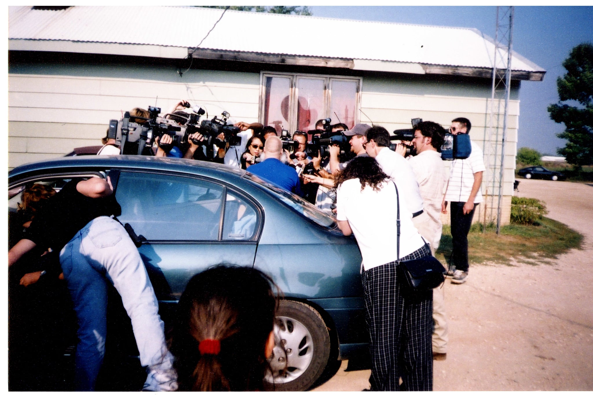 MAKING A MURDERER, Steven Avery (back to camera), (Season 1, aired Dec. 18, 2015). Netflix / Courtesy: Everett Collection