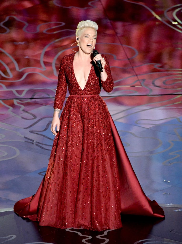 "Pink sang ""Over the Rainbow"" during the Wizard of Oz tribute."