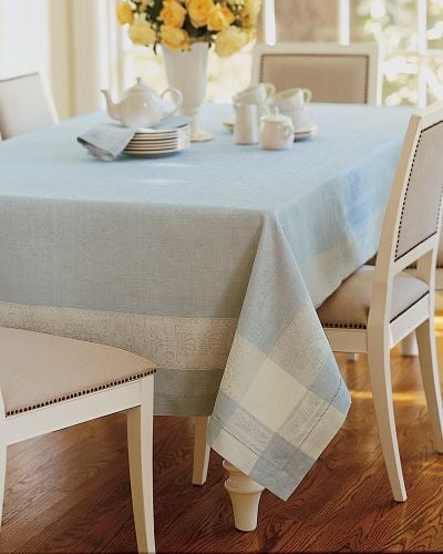 Are Tablecloths Too Old Fashioned?