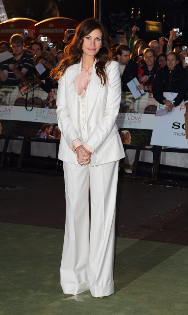 Pictures of Julia Roberts at Eat Pray Love Premiere