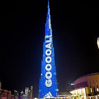 برج خليفة أعلى شاشة لعرض نتائج مباريات كأس العالم 2018
