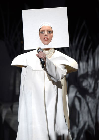 Lady-Gaga-opened-show-dramatic-performance