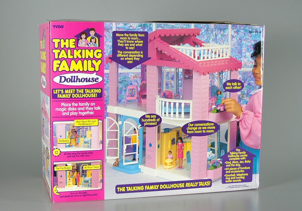 The Talking Family Dollhouse